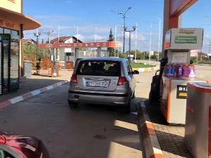 Репортер РТС-а у потрази за најјефтинијим горивом у региону