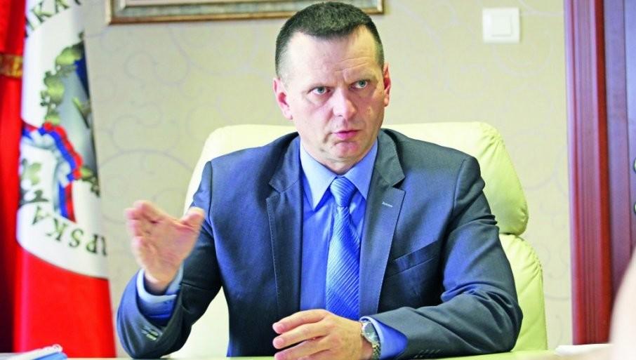 NEĆE BITI ZAŠTIĆENIH: Ministar Lukač o hapšenju tri inspektora MUP RS - očistićemo sve što ima veze sa kriminalnim klanovima