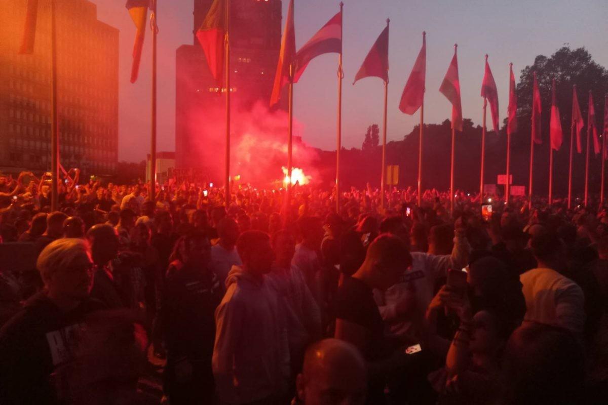 Ljubljana: Violent protests against strict anti-COVID rules; Police use teargas
