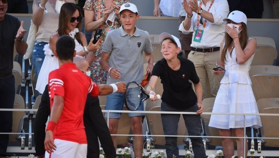 NOVAKOV GEST NEMA CENU! Javio se Mateo, klinac kome je najbolji teniser sveta poklonio reket (FOTO)