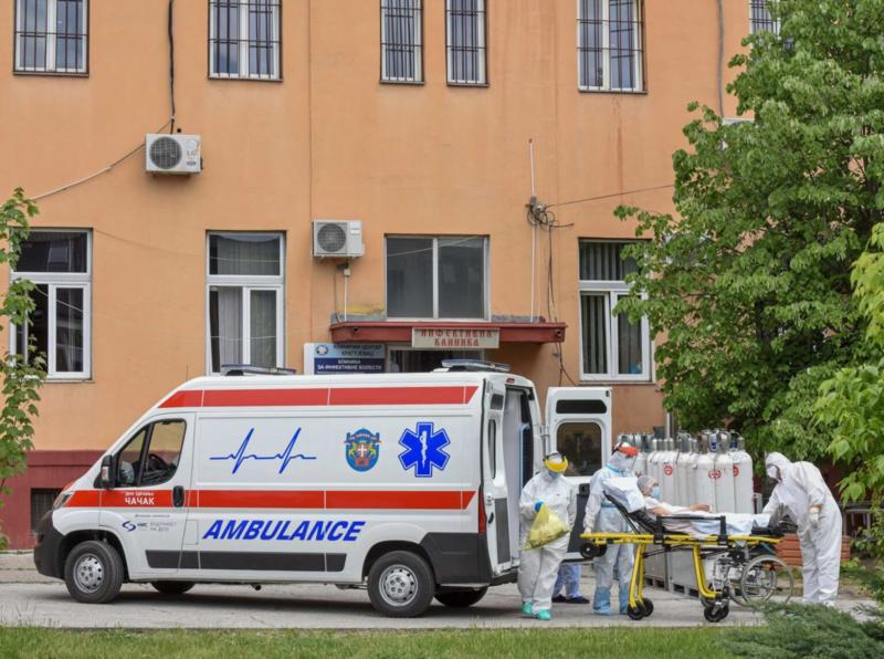 Korona presek: Novozaraženih 301, na bolničkom lečenju 225 pacijenata, na respiratoru 17