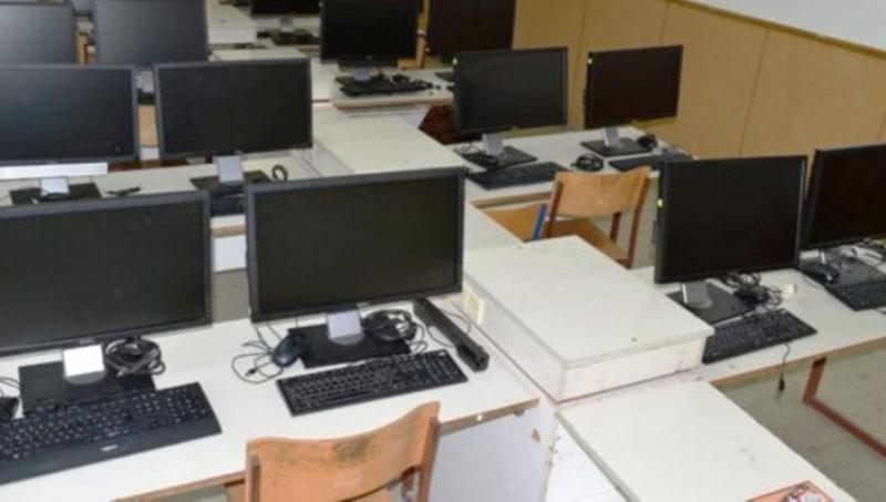 DONACIJA ŠKOLI: Dvadeset računara unaprediće rad obrazovne ustanove u Rekovcu
