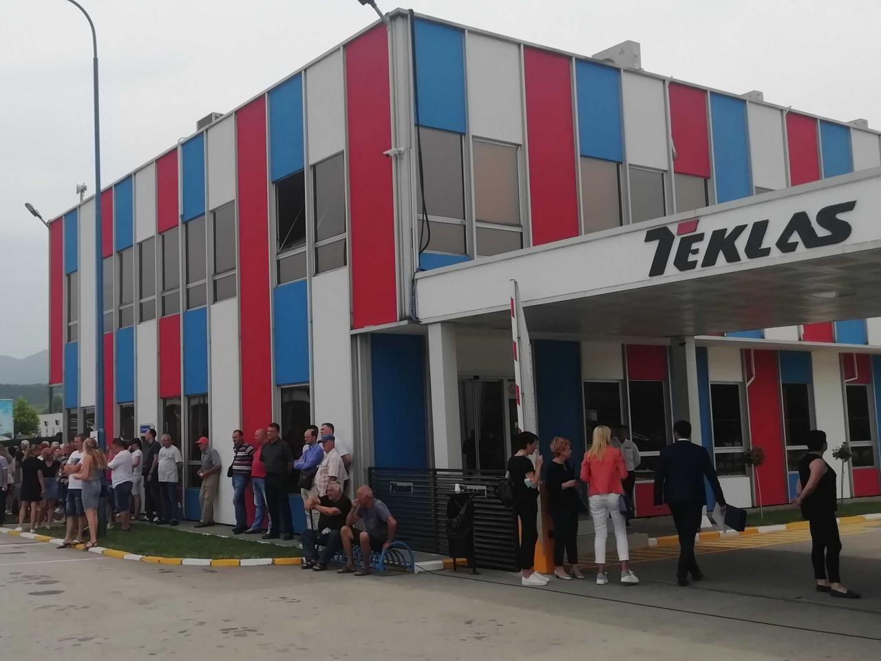 """Posao u """"Teklasu"""" od obećanih 250 dobilo 120 bivših radnika """"Geoksa"""", direktor te fabrike podneo ostavku"""