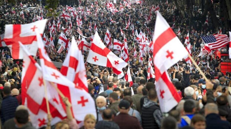 U Gruziji desetine hijada ljudi demonstriralo tražeći oslobađanje bivšeg predsednika