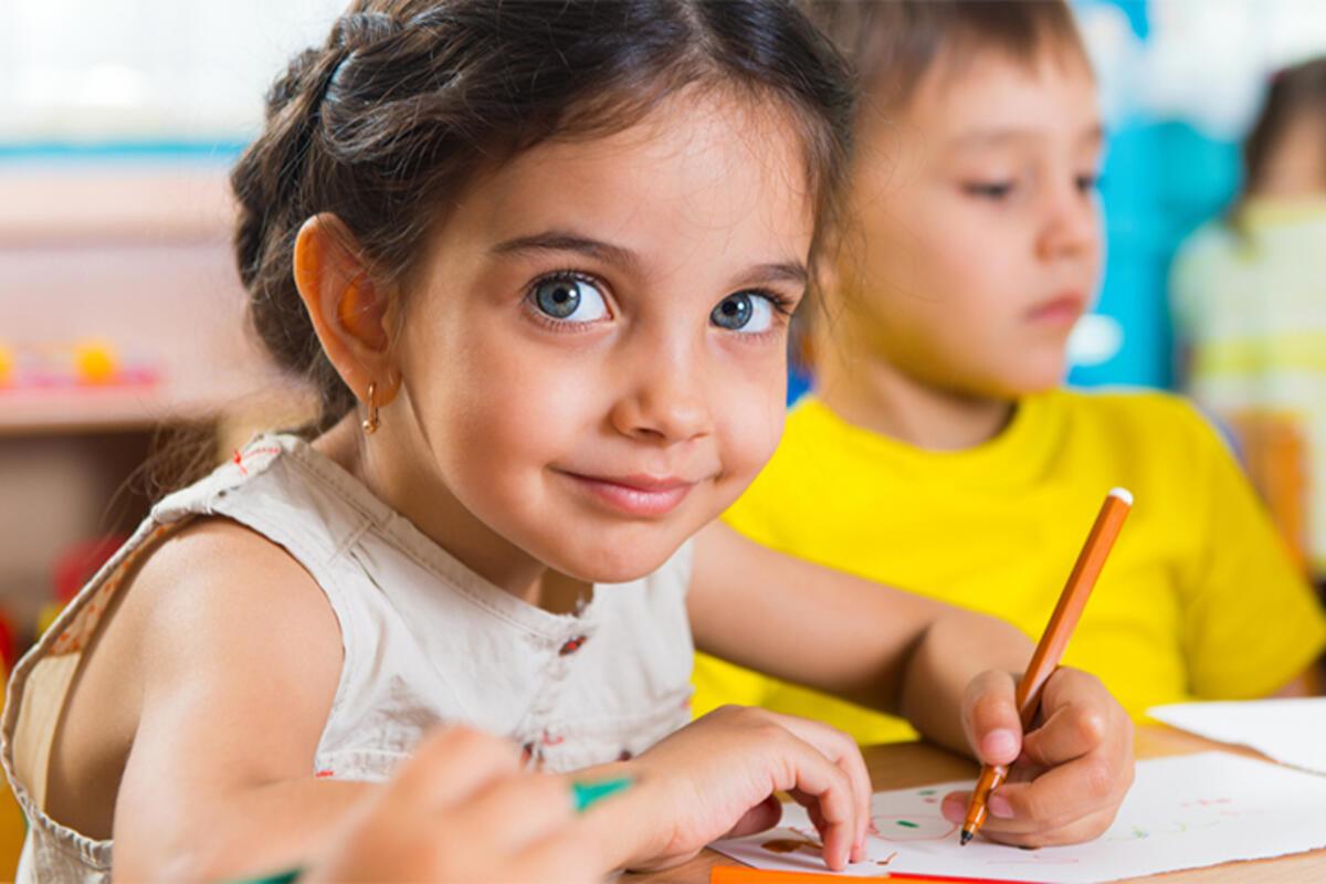 SUPER ZABAVA ZA NAJMLAĐE: Crtanje kao višestruko korisna aktivnost – OVO je bolje od papira i bojica!