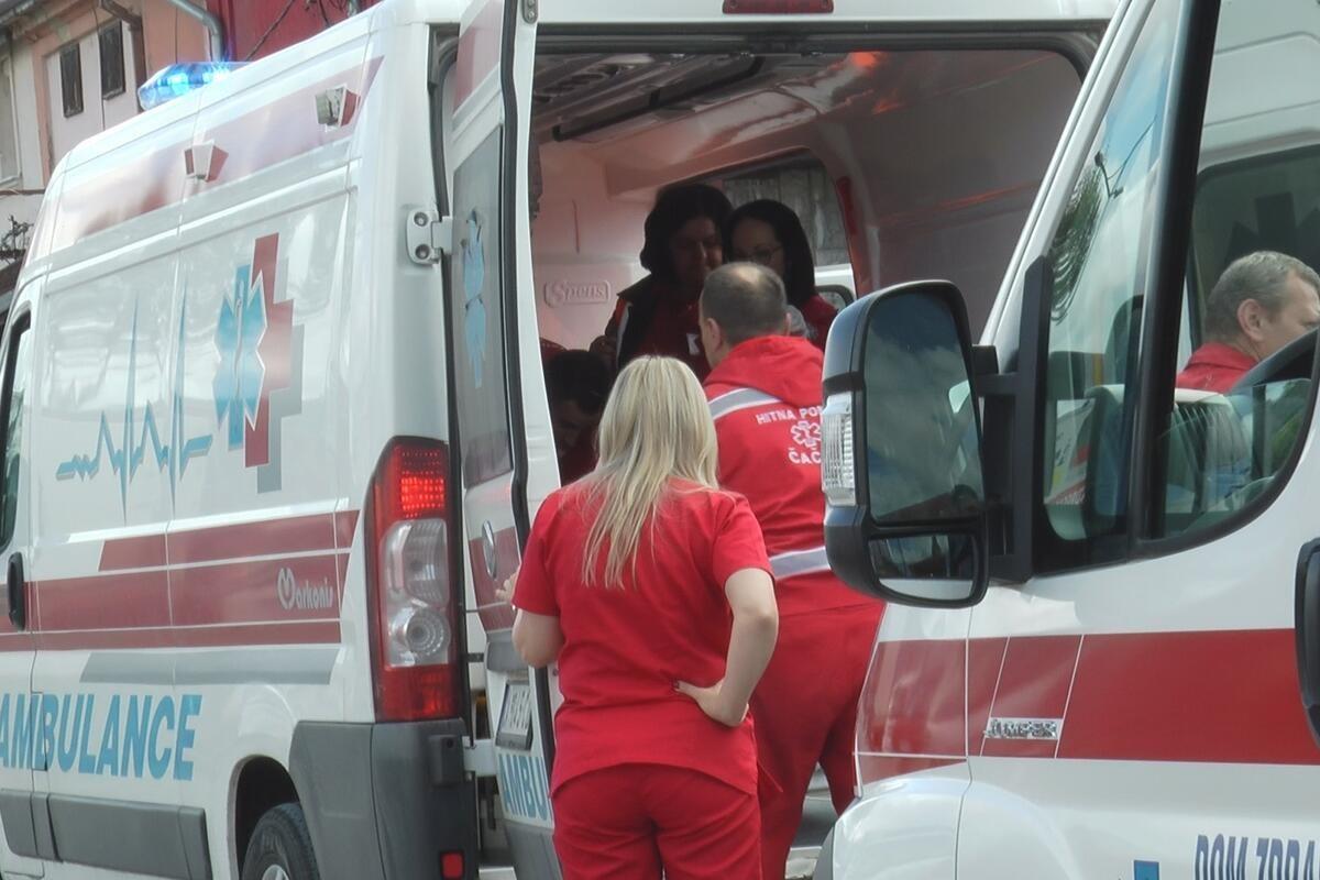 LANČANI NA ČUKARICI: Tri osobe povređene, hitno prebačene na VMA