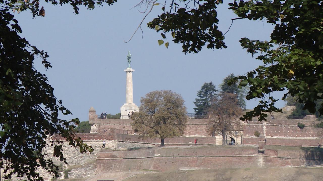 U Srbiji pretežno sunčano i toplo, samo na istoku promenljivo oblačno