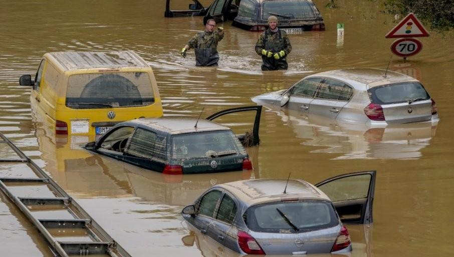 VODA SE POVLAČI,  JEZA NA SVE STRANE: Širom Evrope više od 180 poginulih u razornim poplavama, opsadno stanje širom kontinenta