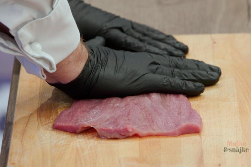 ŠNICLE PUNJENE KAJMAKOM ZA TILI ČAS! Domaćice, zaboravite na rernu, pomoću OVOG TRIKA meso je gotovo za tren oka! (VIDEO)