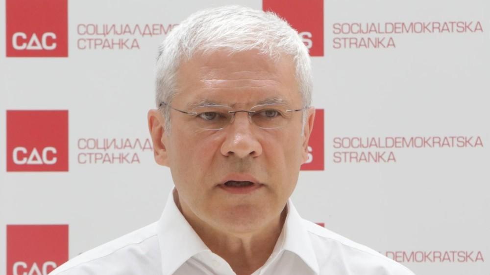 Tadić: Vučić još na inauguraciji koristio navijačke falange