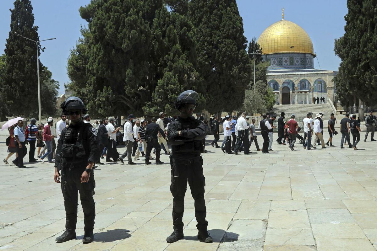 NEMA MIRA U JERUSALIMU: Novi sukobi Palestinaca i izraelske policije kod džamije Al Aksa! Letele kamenice i gumeni meci! VIDEO
