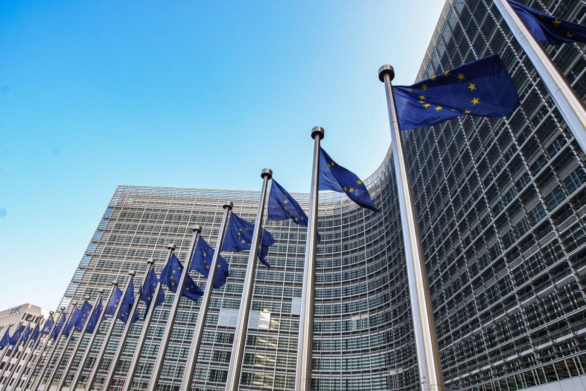 Varhelji: EU mora da ispuni obećanja data Zapadnom Balkanu