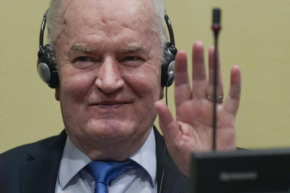 NE PREDAJE SE: Ratko Mladić skuplja nove dokaze, hoće da sruši hašku presudu! Ipak moguće novo suđenje!