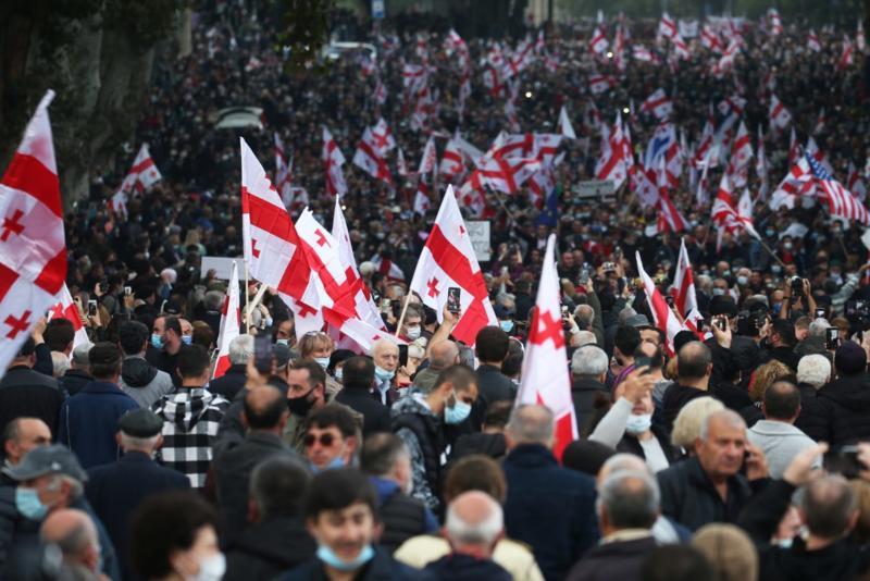 Oko 50.000 ljudi demonstriralo u Tbilisiju tražeći oslobađanje Sakašvilija
