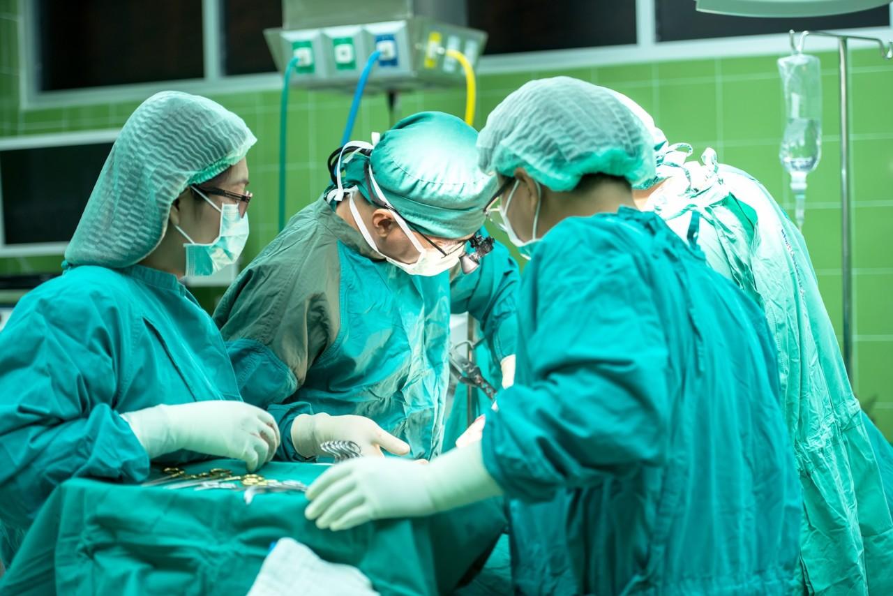 Nude medicinske sestre u zamenu za vakcine