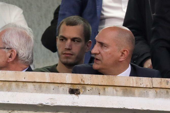 Mrkela nikad konkretniji: Neka Vazura kaže ko je zvao sudiju Simovića na poluvremenu