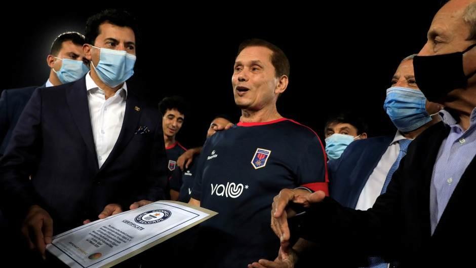 Egipćanin u 75. godini postao najstariji svetski profesionalni fudbaler