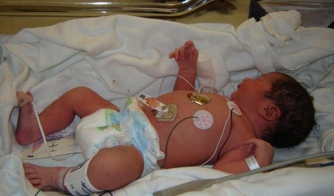 MAJKA NAPUSTILA BEBU ZARAŽENU KORONOM! Zbog vurusa ostavila dete u bolnici i pobegla