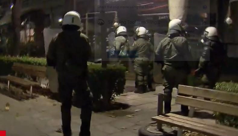 HAOS u Grčkoj zbog novih KORONA mera: Na demonstracijama korišćen suzavac i dimne bombe (VIDEO)