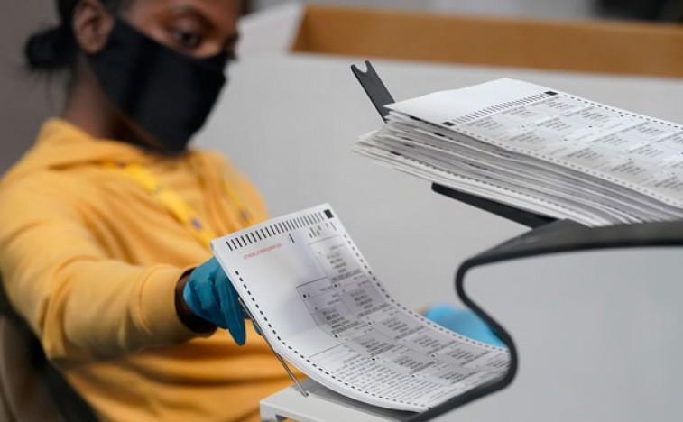 Гласови се и даље броје у пет држава, Бајден ближи победи