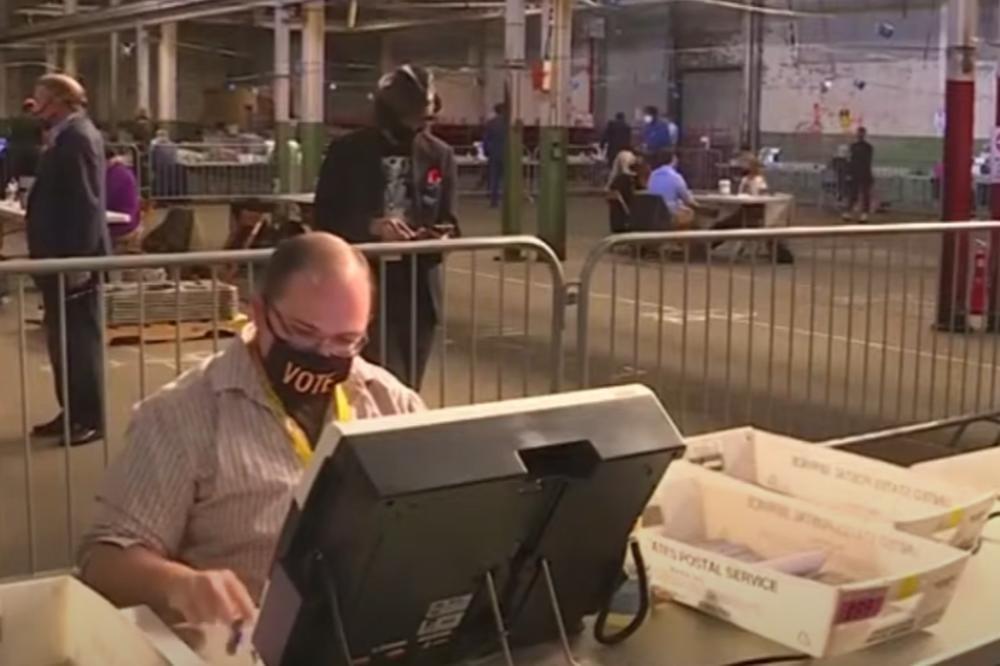 Ceo svet gleda u Pensilvaniju: Evo kako izgleda brojanje glasova! (VIDEO)
