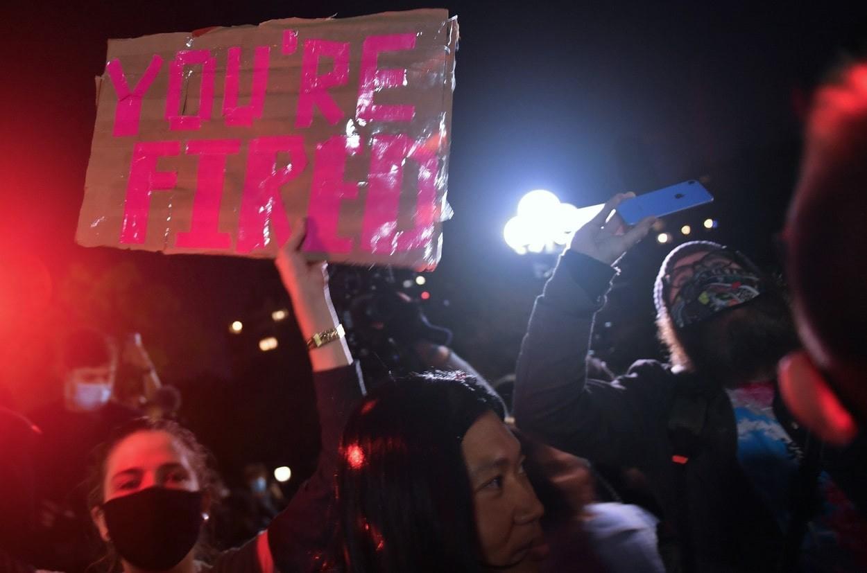 """""""Otpušten si"""": Iako još uvek nije zvanično, Amerikanci na ulicama slavili Trampov poraz"""