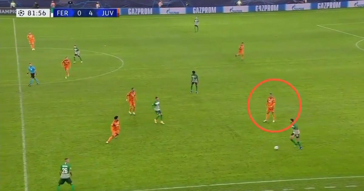 OVAKAV SNIMAK SA MESIJEM JE BIO VIRAL! Kristijano Ronaldo nasred meča prestao ga igra, protivnika ispratio POGLEDOM, planeta PRENERAŽENA odnosom Portugalca! /VIDEO/