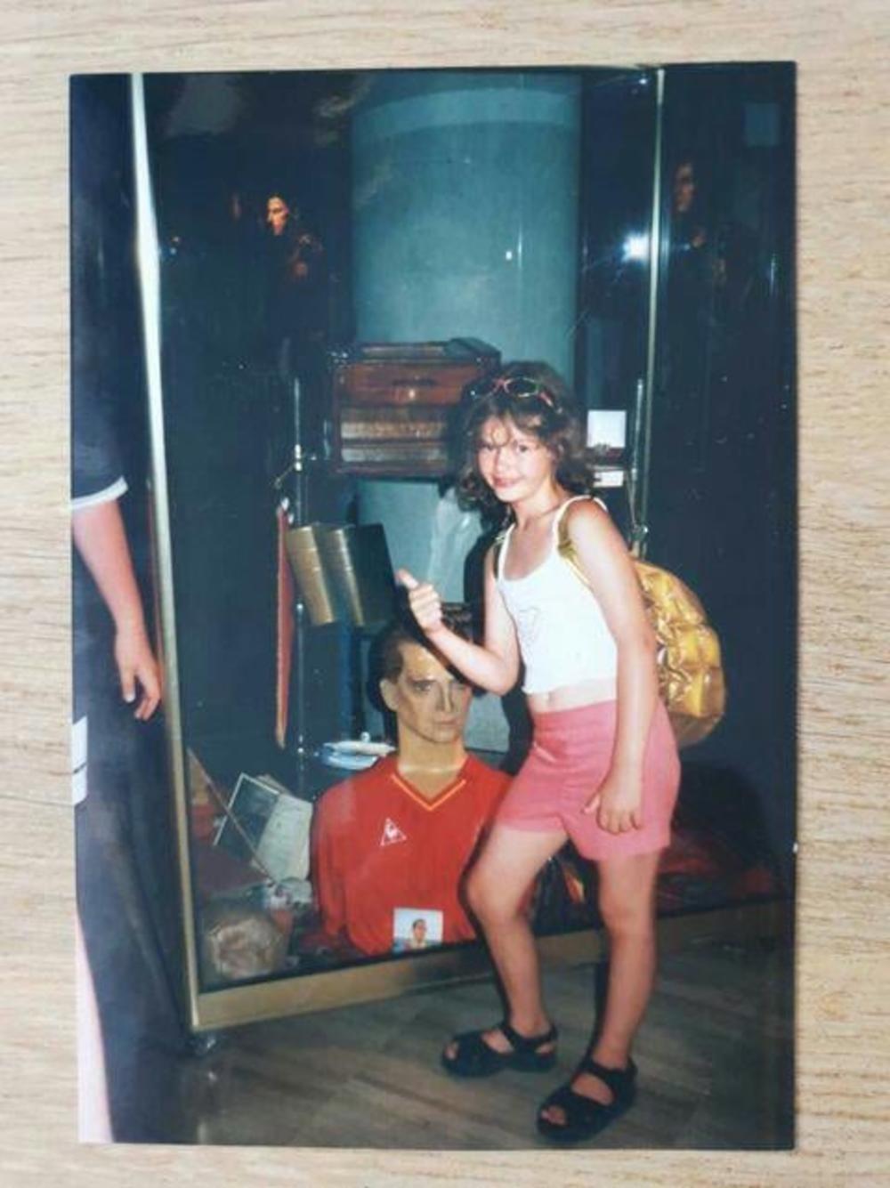 SADA PRAVI HAOS U ZADRUZI! Da li prepoznajete devojčicu na fotografiji?