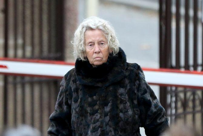 """Eva Ras (79) na sahrani Bekjareva bez maske: """"Da se Ivan ponosi..."""""""