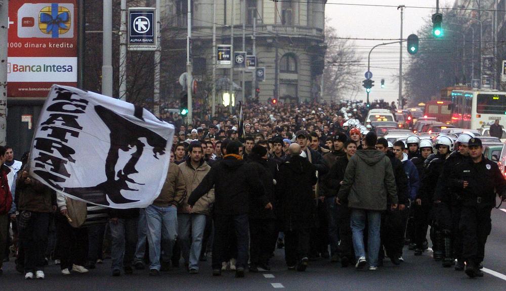 GROBARI AKCIJAJU ŠIROM BEOGRADA: Navijači Partizana objavili rat Delijama?