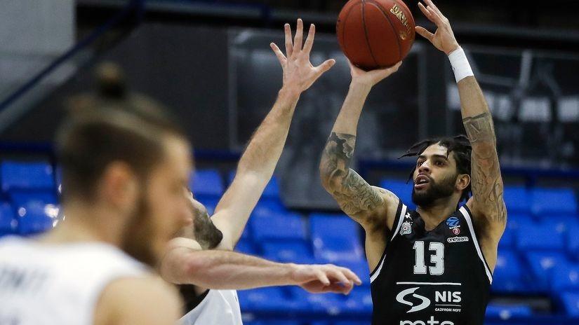 Partizan prodisao uz Perkinsa i letećeg Mozlija, Trento dao 20 za poluvreme