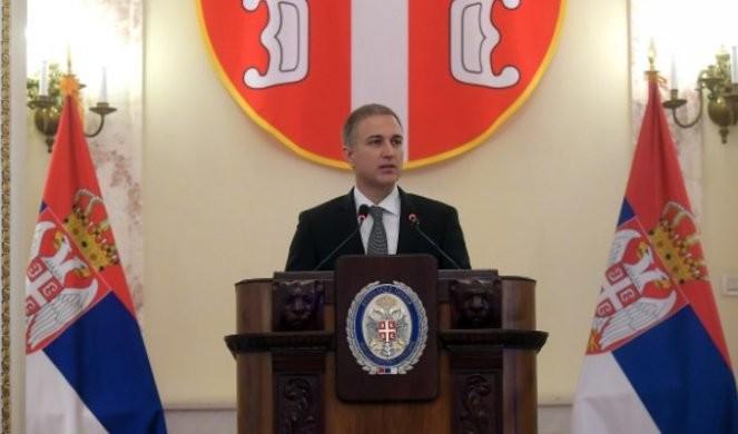LEPA VEST! Ministar Stefanović uručio stipendije za 23 mladih!