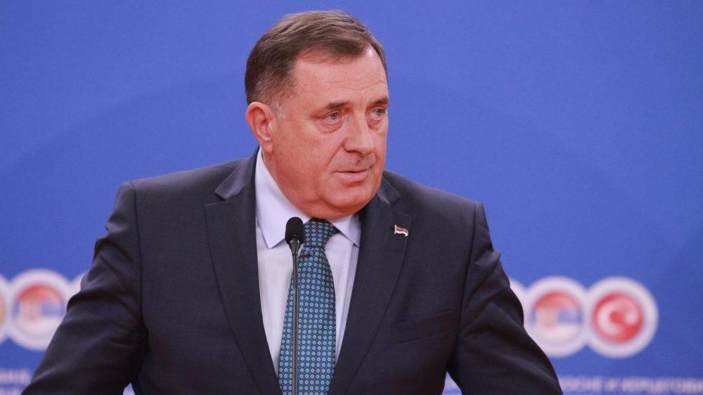 Dodik: Ako Ukrajina dokaže da je tražila ikonu, pre nego što je poklonjena Lavorvu, vratiću im je