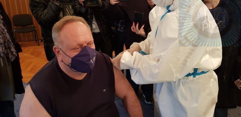 Vakcinu primio i gradonačelnik Leskovca