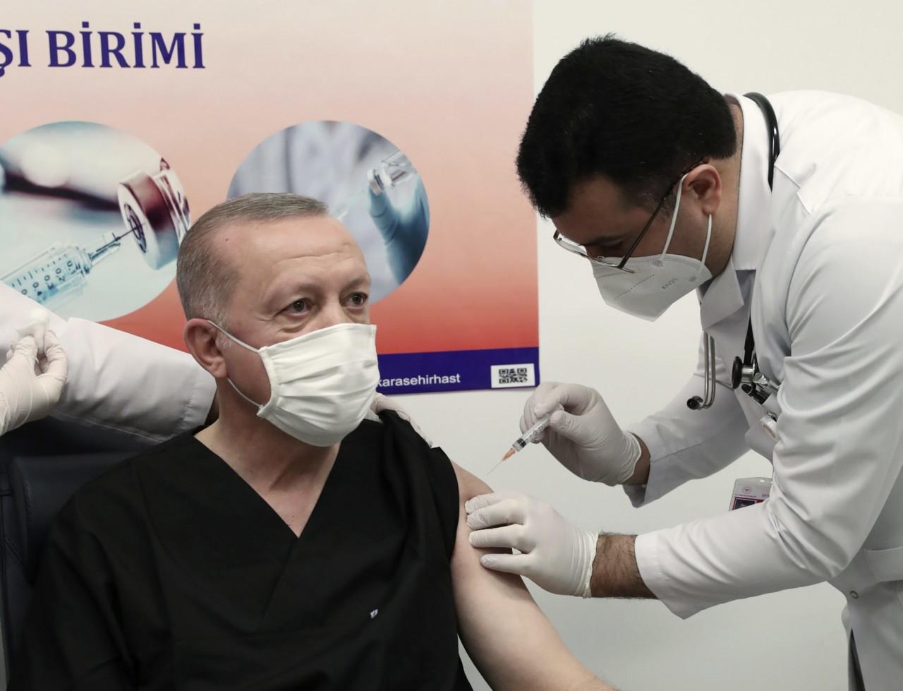 Erdogan primio kinesku vakcinu protiv koronavirusa