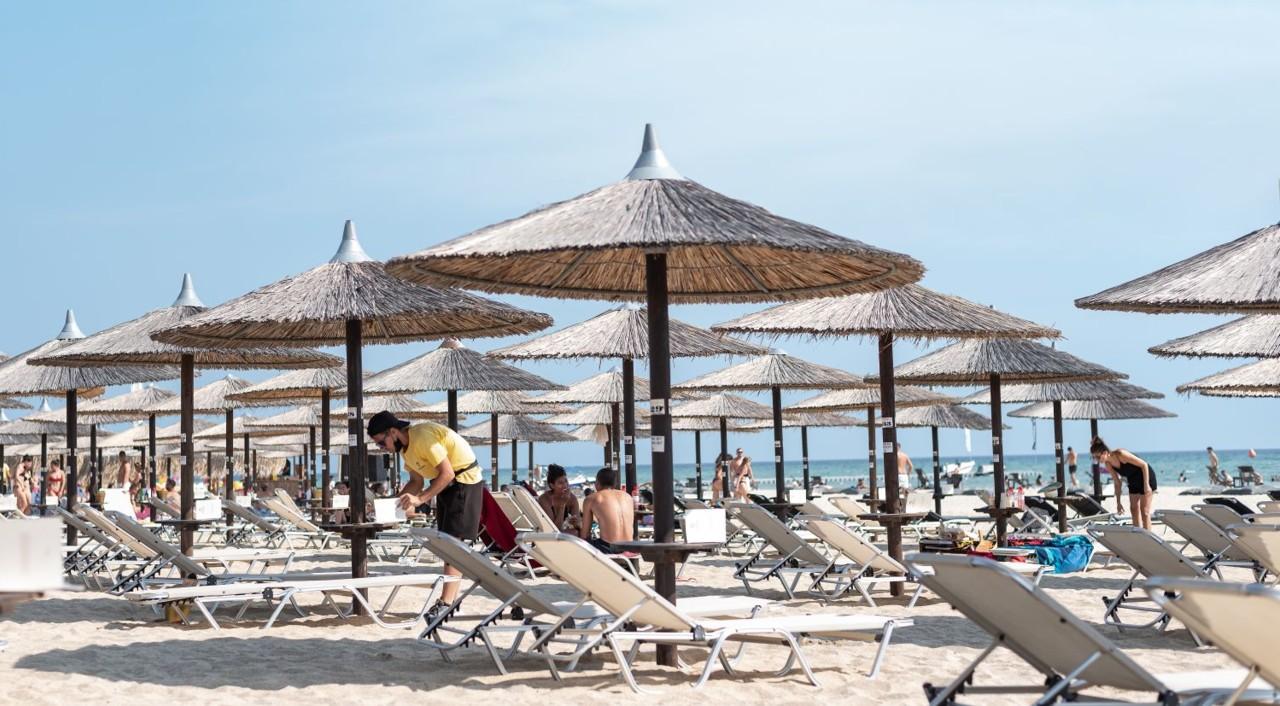 Na Srbe ni ne misli: Grčki ministar najavio povoljnosti za letovanje samo za turiste iz EU