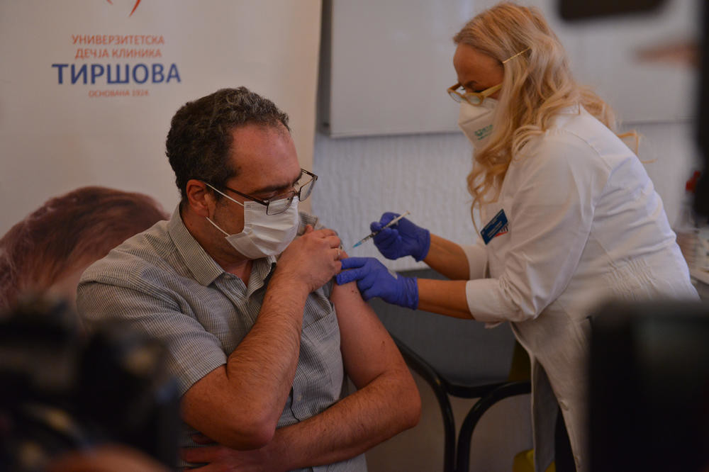 Dr Srđa Janković izjavom ZBUNIO sve: Nekim ljudima vakcina NEĆE pomoći, strogo poštovati jedno pravilo