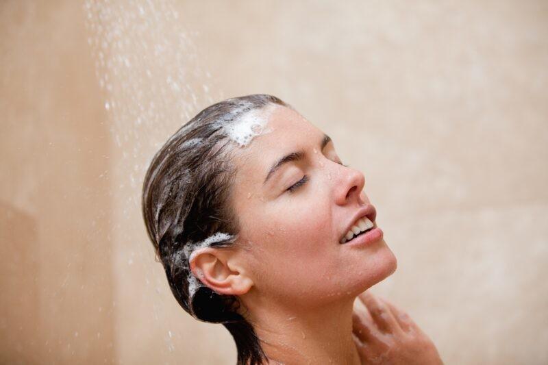 Posle PRVOG nanošenja, šampon ne može u potpunosti da deluje: EVO koliko puta treba šamponirati kosu