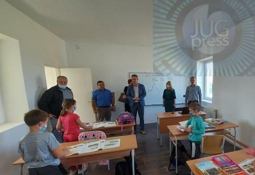 Obnovljeni školski objekti u Donjem Žapskom i Sodercu