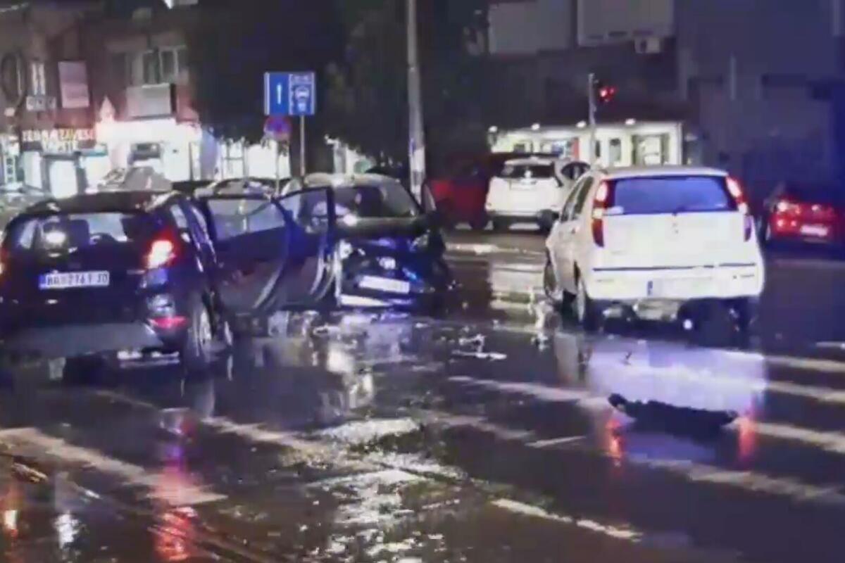 KARAMBOL NA BANOVOM BRDU: Tri automobila se slupala kod Gaspromove pumpe! (VIDEO)