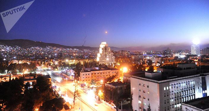 Јака експлозија изнад Дамаска: Израел лансирао ракете, Сирија одговорила /видео, фото/
