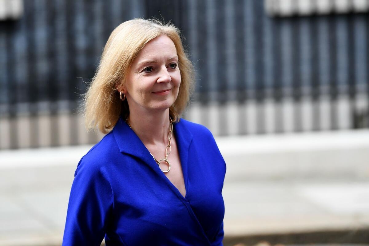 VOLI MATEMATIKU I DRUŠTVENE MREŽE Ko je Liz Tras nova ministarka spoljnih poslova Velike Britanije?