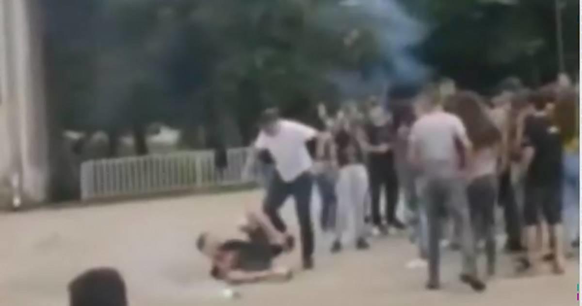 Otac šutirao i krvnički tukao sina naočigled svih osnovaca ispred škole u blizini Prokuplja