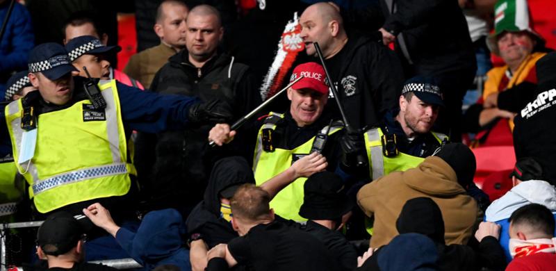ISPADI NA VEMBLIJU Brzo ih stigla ruka pravde, navijači dve godine van stadiona