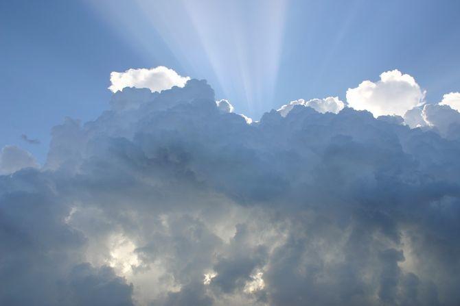 Promenljivo oblačno sa više sunca, u nekim delovima Srbije i kiša: Temperatura do 19 stepeni
