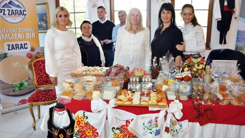 USPEŠNE U SVIM OBLICIMA POSLOVANJA: Održan Drugi sajam ženskog preduzetništva RS (FOTO)