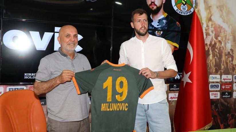 Zvanično: Milunović napustio Zvezdu i otišao u Alanju