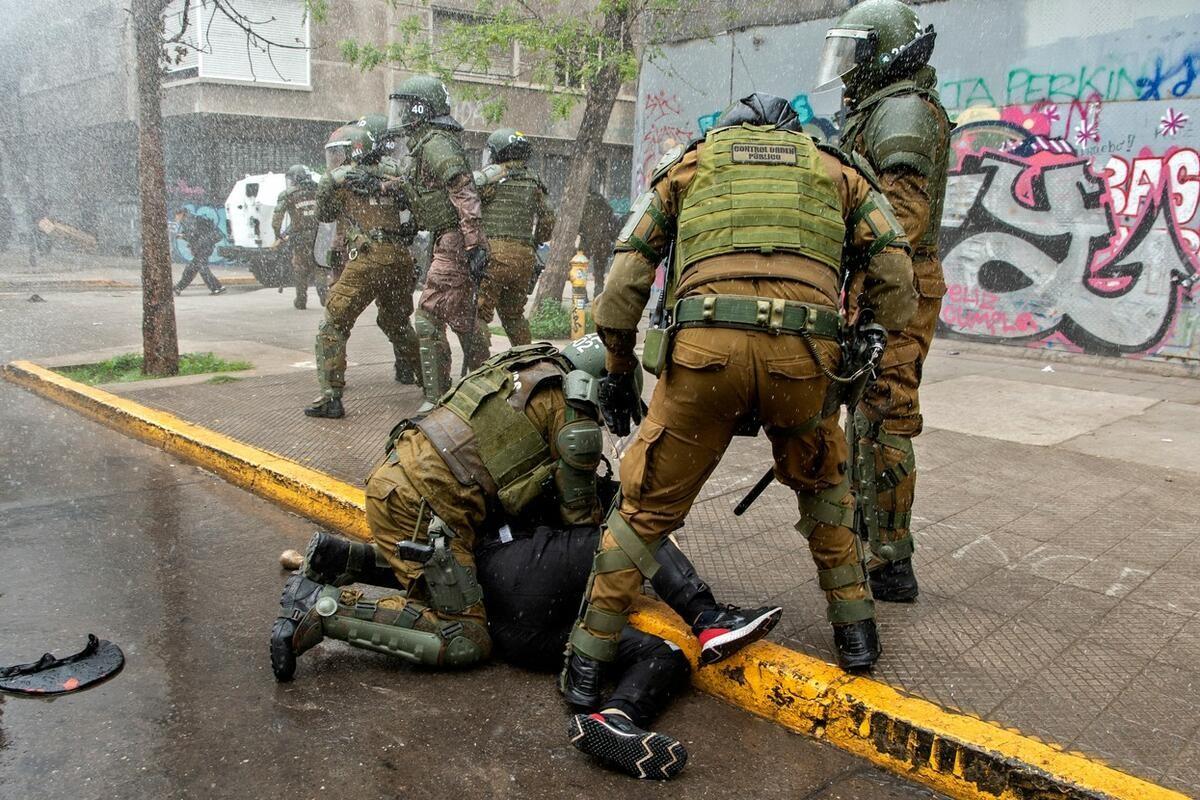 ČILE GORI: Predsednik proglasio vanredno stanje i poslao vojsku na starosedeoce koji traže da im se vrati oteta zemlja