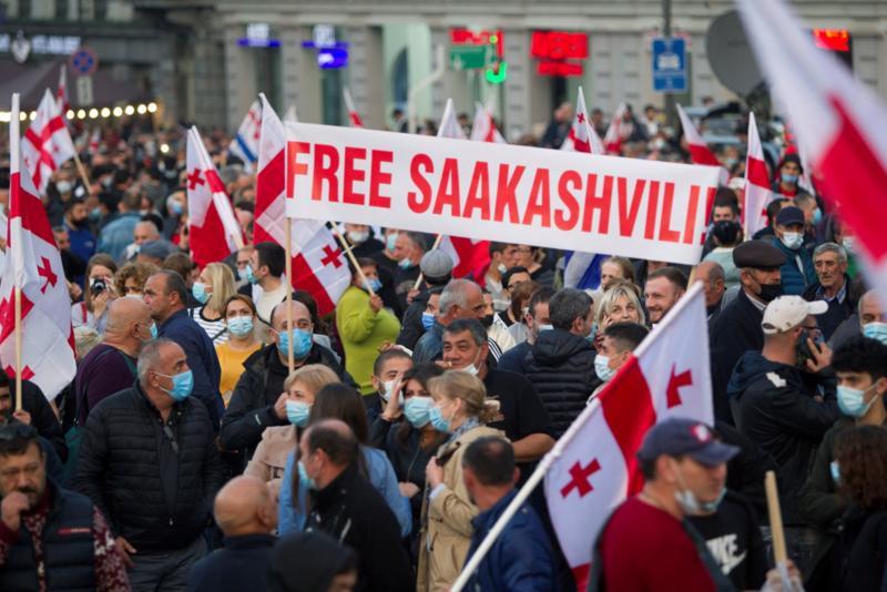 Desetine hijada ljudi demonstriralo tražeći oslobađanje Sakašvilija