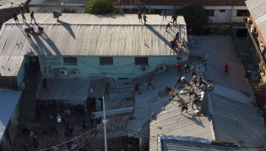 POBUNA ZATVORENIKA UBIJENO 50 LJUDI:  Krvavi obračn bandi u zatvorima